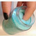 DIY - Για να ξεβάφουμε τα νύχια μας με έναν διαφορετικό τρόπο...