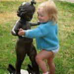 Εκεί που κάποιοι βλέπουν μόνο αγάλματα, κάποιοι άλλοι βλεπουν μία ευκαιρία να εκφραστούν!