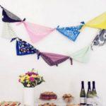 11 Εναλλακτικοί Τρόποι για να Χρησιμοποιήσετε τα Κασκόλ και τα Φουλάρια Μέσα στο Σπίτι