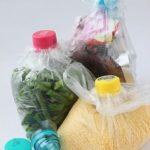 Πώς να Κλείσετε Αεροστεγώς μια Σακούλα Τροφίμων με Πλαστικό Καπάκι