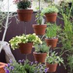 21 Ιδέες Διακόσμησης Κήπου και Αυλής με Πήλινα Γλαστράκια