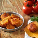 Ντοματοκεφτέδες με πουρέ πατάτας
