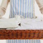 Ο απίστευτο τρόπος που φεύγει η κιτρινίλα από τα λευκά ρουχα!