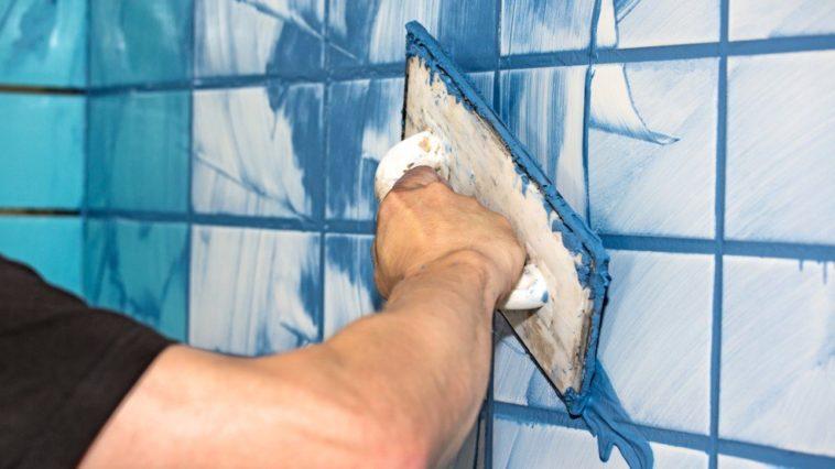 πώς να βάψεις τους αρμούς από τα πλακάκια του μπάνιου