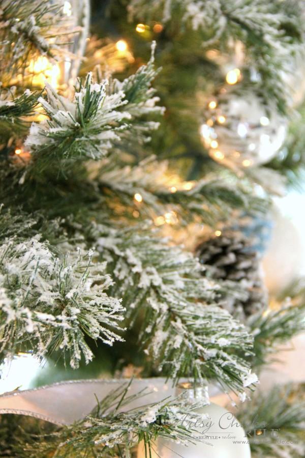 Υλικά που θα χρειαστείτε για να φτιάξετε το χιονισμένο Χριστουγεννιάτικο δέντρο