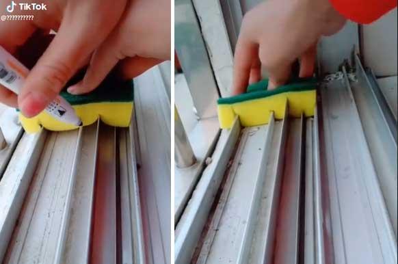 τοποθετήστε πάνω στις ράγες έτσι ώστε το σφουγγάρι να εισχωρήσει ανάμεσα τους